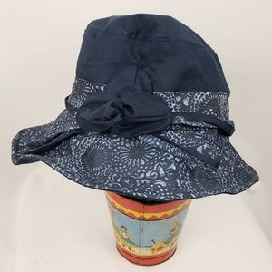 Cloth hat with wired brim,  one size, NWOT